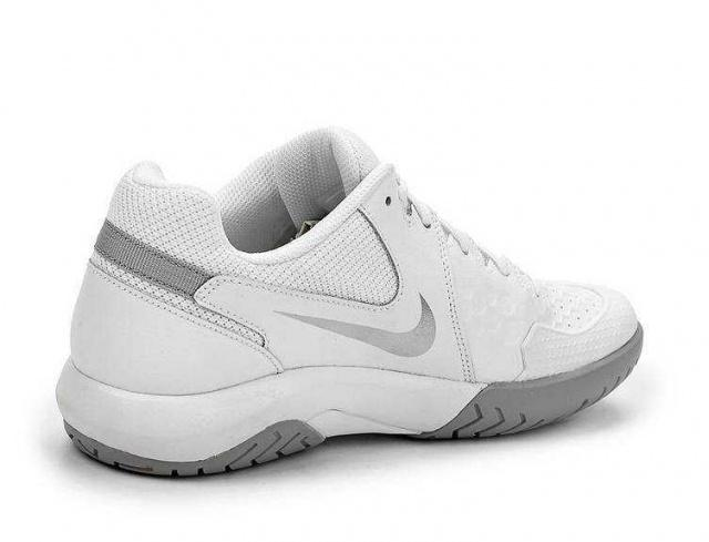 NIKE Кроссовки женские Air Zoom Resistance Tennis Shoe, white. Фото N2