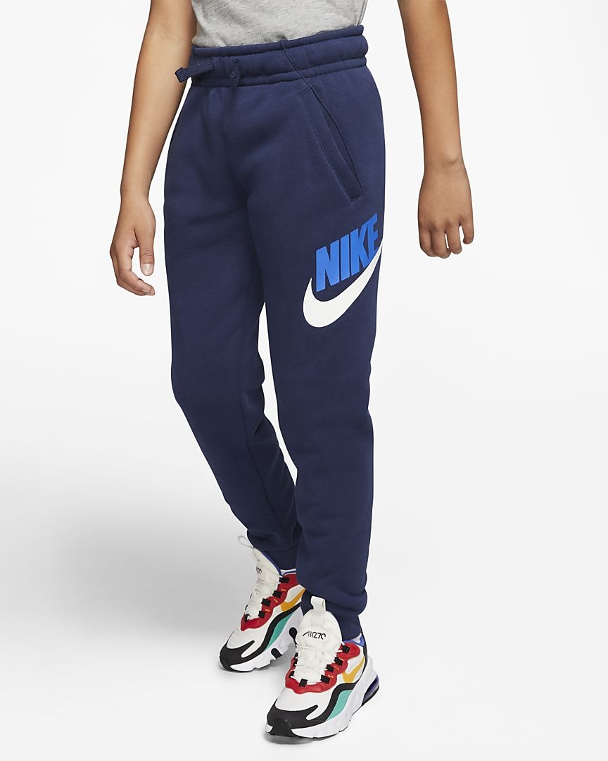 NIKE Брюки детские SPORTSWEAR CLUB FLEECE, dark blue, white, blue. Фото N2