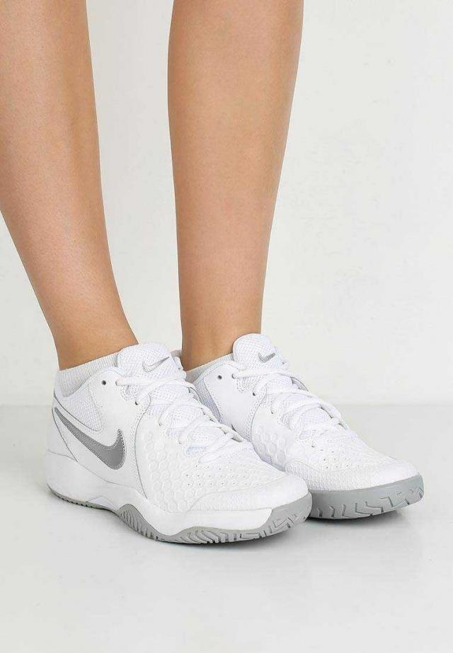 NIKE Кроссовки женские Air Zoom Resistance Tennis Shoe, white. Фото N4